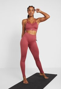 Nike Performance - STUDIO - Tights - cedar/white - 1