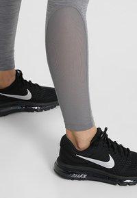 Nike Performance - W NP TIGHT - Trikoot - gunsmoke/heather/gunsmoke/black - 4