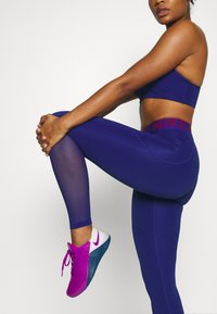 Nike Performance - Leggings - deep royal blue/noble red - 4