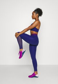 Nike Performance - Leggings - deep royal blue/noble red - 3