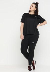Nike Performance - PLUS - Legging - black/white - 1