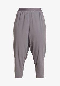 Nike Performance - Pantalones deportivos - gunsmoke/reflective silver - 3