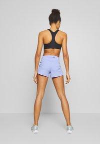 Nike Performance - ECLIPSE SHORT  - Urheilushortsit - light thistle/reflective silver - 2