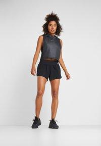 Nike Performance - ECLIPSE SHORT  - kurze Sporthose - black/reflective silver - 1