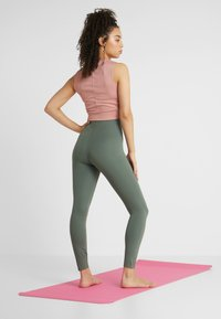 Nike Performance - SCULPT LUX - Collants - juniper fog - 2