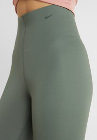 Nike Performance - SCULPT LUX - Collants - juniper fog - 4