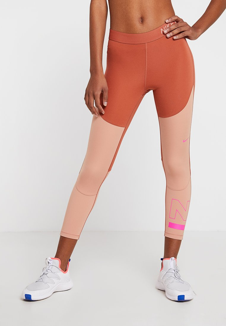 Nike Performance - CROP - Legginsy - dusty peach/rose gold/laser fuchsia