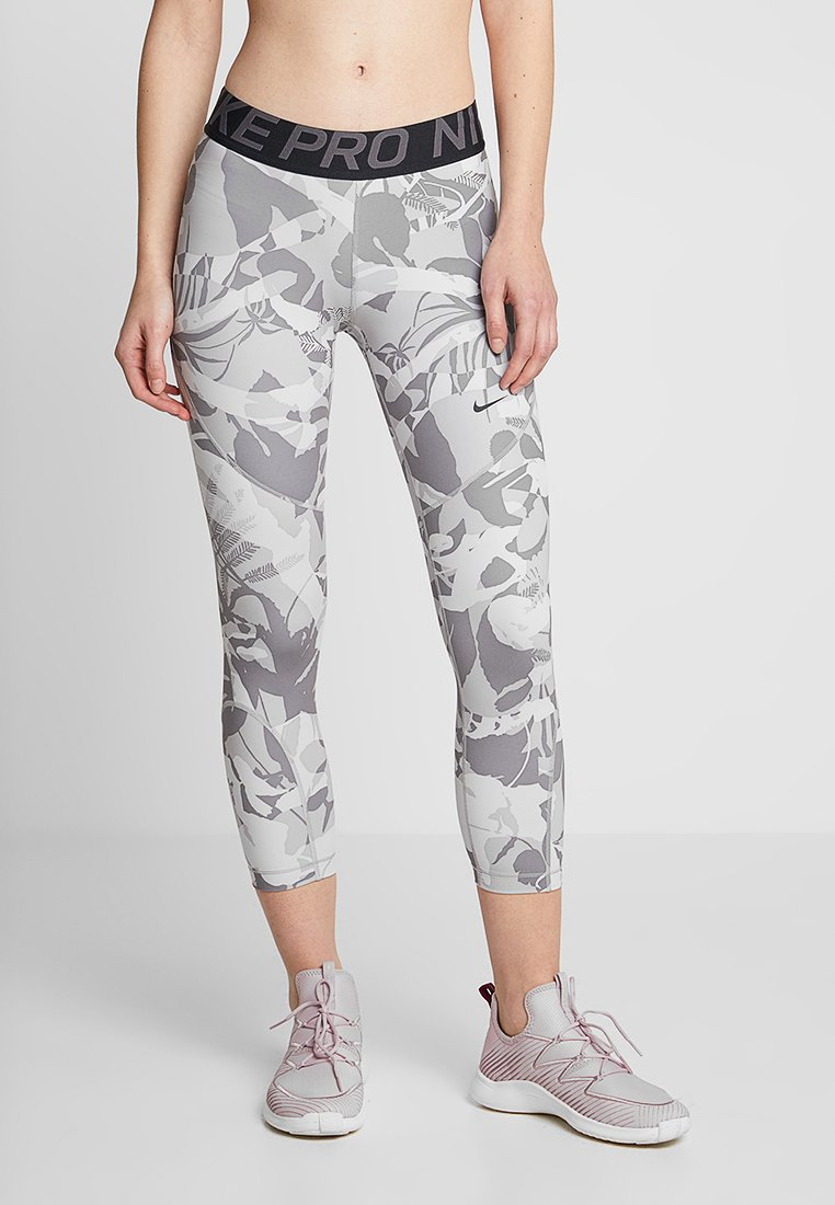 Nike Performance - FOREST CAMO CROP - Tights - atmosphere grey/thunder grey/black