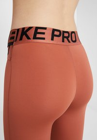 Nike Performance - INTERTWIST 2.0 - Trikoot - dusty peach - 4