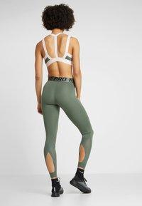 Nike Performance - INTERTWIST 2.0 - Leggings - juniper fog/galactic jade - 2