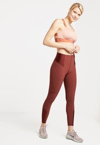 Nike Performance - Legging - pueblo brown - 1
