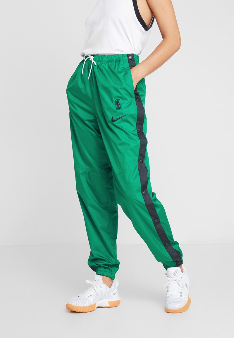 Nike Performance - NBA BOSTON CELTICS WOMENS SNAP PANT - Tracksuit bottoms - clover/black