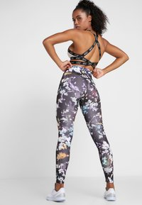 Nike Performance - NIKE ONE PRINT  - Legging - black/gunsmoke - 2