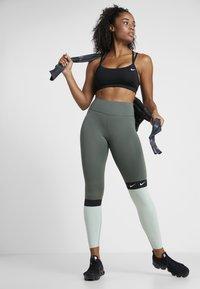 Nike Performance - ONE - Collant - juniper fog/pistachio frost/black/white - 1