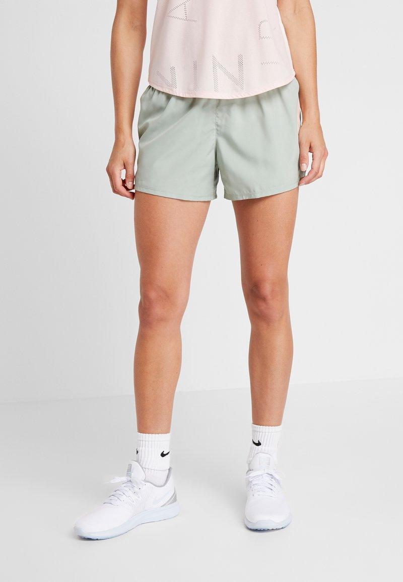 Nike Performance - SHORT REBEL - Pantalón corto de deporte - jade horizon/juniper fog/bright crimson