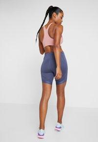 Nike Performance - BIKE SHORT AIR - Leggings - sanded purple/black - 2