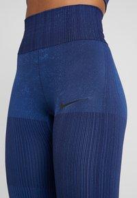 Nike Performance - CITY - Medias - blackened blue/coastal blue - 4