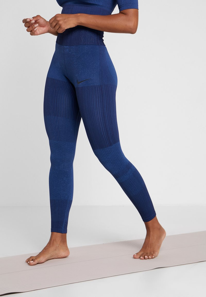 Nike Performance - CITY - Leggings - blackened blue/coastal blue