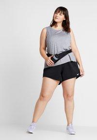 Nike Performance - SHORT PLUS - Sportovní kraťasy - black/white - 1