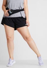 Nike Performance - SHORT PLUS - Sportovní kraťasy - black/white - 0