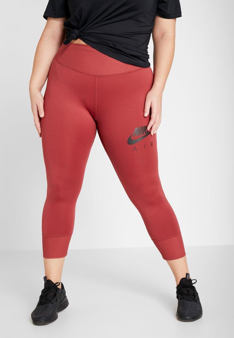 Nike Performance - FAST AIR PLUS - Punčochy - cedar/black