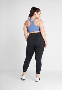Nike Performance - SCULPT PLUS - Tights - black/white - 2
