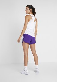 Nike Performance - RUN SHORT - Pantalón corto de deporte - court purple/white - 2
