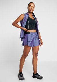 Nike Performance - TEMPO SHORT AIR - Pantalón corto de deporte - voltage purple/black - 1