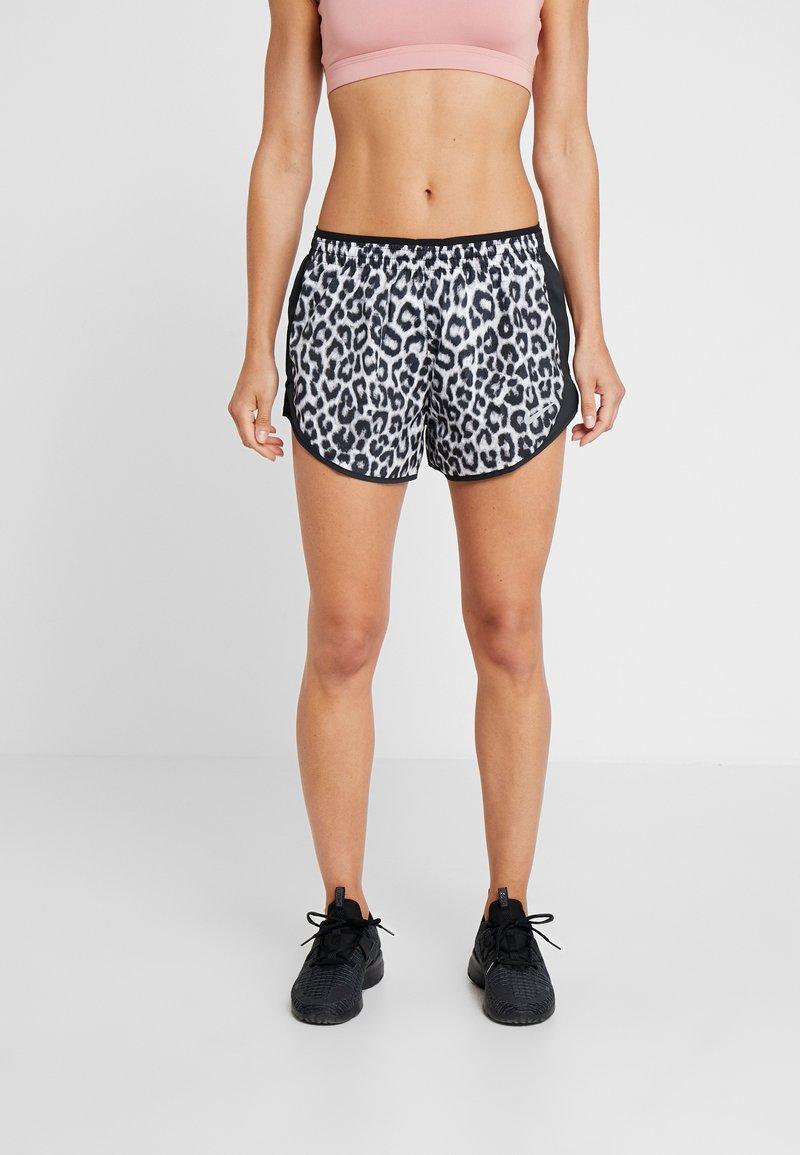 Nike Performance - TEMPO SHORT  - Urheilushortsit - white/black