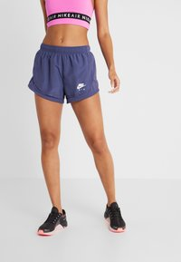 Nike Performance - TEMPO SHORT AIR - Pantalón corto de deporte - sanded purple/white - 0