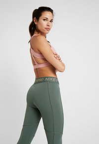 Nike Performance - FIERCE TIGHT - Tights - juniper fog/metallic gold - 4