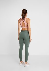 Nike Performance - FIERCE TIGHT - Tights - juniper fog/metallic gold - 2