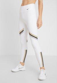 Nike Performance - ONE ICON - Collant - white/metallic gold/black - 0