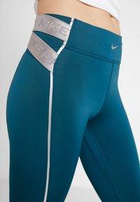 Nike Performance - HYPERWARM - Legging - midnight turq/metallic silver - 3