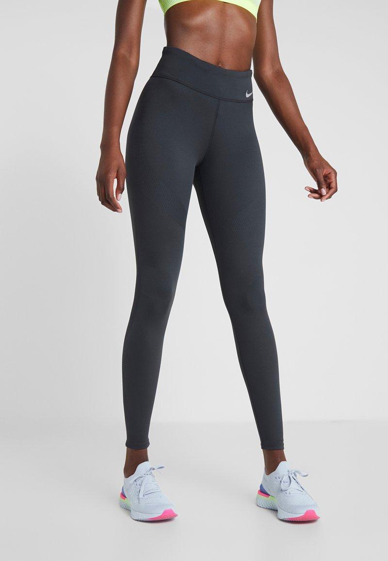 Nike Performance - TECHKNIT EPIC - Leggings - off noir/reflective silv