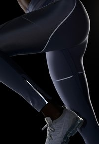 Nike Performance - CITY REFLECT - Legging - stellar indigo/reflect black - 6