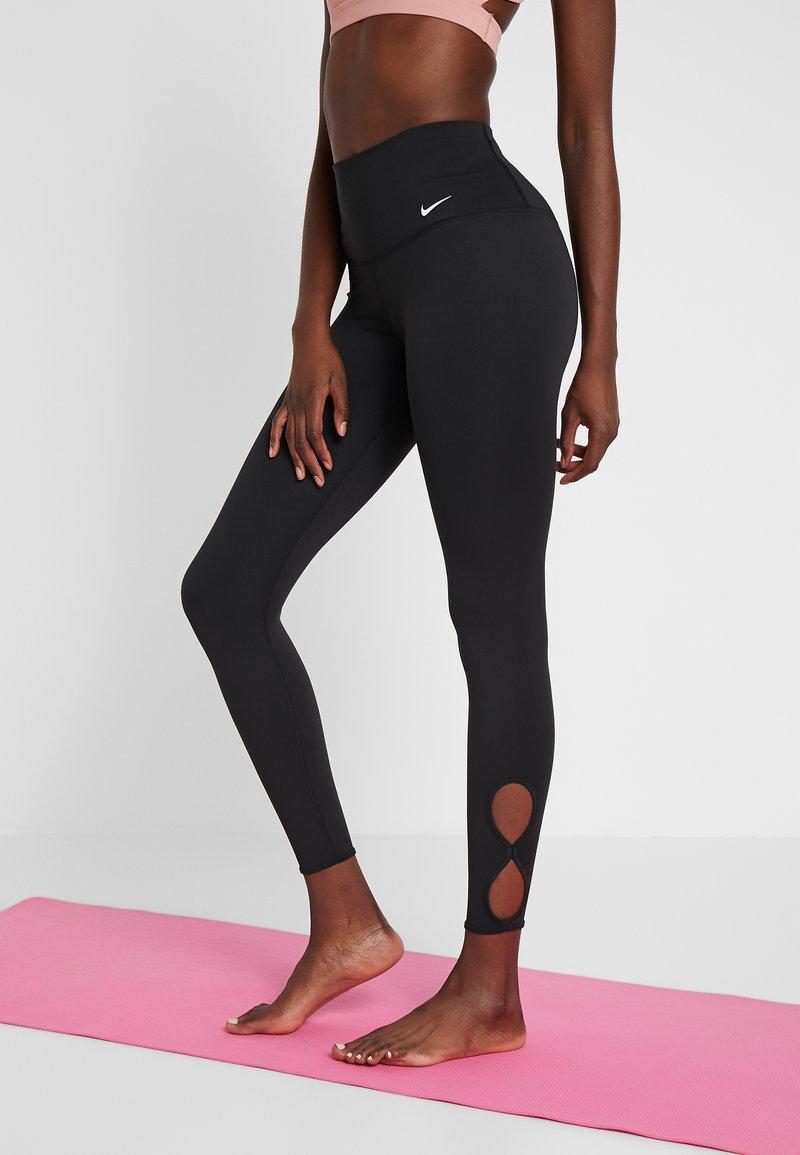 Nike Performance - YOGA  - Legginsy - black/white