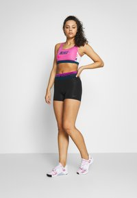 Nike Performance - SHORT - Legging - black/dark smoke grey - 1