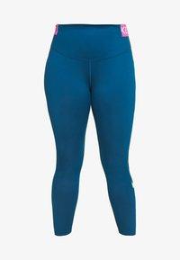 valerian blue/cosmic fuchsia