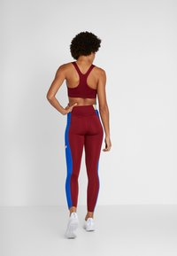 Nike Performance - ICON CLASH  - Collants - team red/game royal/white - 2