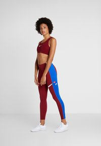 Nike Performance - ICON CLASH  - Collants - team red/game royal/white - 1