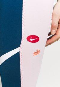 Nike Performance - ICON CLASH  - Leggings - valerian blue/barely rose - 5