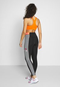 Nike Performance - ICON CLASH  - Legging - black/smoke grey/white - 2