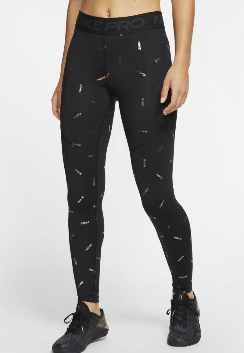 Nike Performance - TOSS PRINT - Leggings - black/dark smoke grey