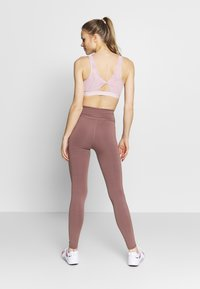 Nike Performance - Tights - smokey mauve/white - 2