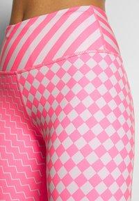 Nike Performance - EPIC LX  - Legging - digital pink/reflective silver - 5