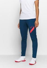 Nike Performance - DRY ACADEMY PANT - Joggebukse - valerian blue/laser crimson - 0