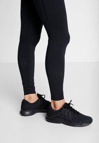 Nike Performance - EPIC - Trikoot - black - 6