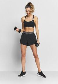 Nike Performance - SHORT  - Korte sportsbukser - black/thunder grey - 1