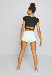 Nike Performance - AEROSWIFT - Sports shorts - vapor green/black - 2